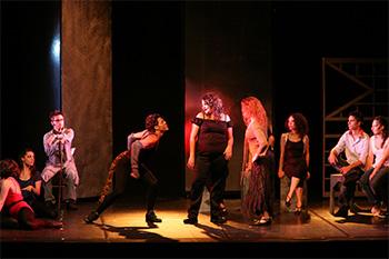 Risultati immagini per teatro la recita del canto